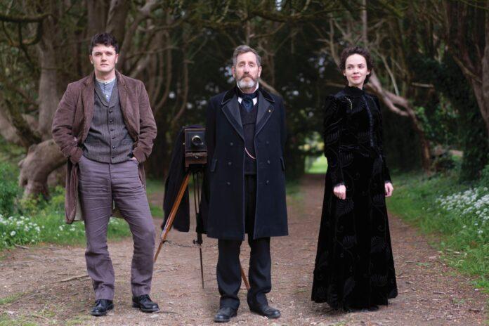 the cast of Dead Still